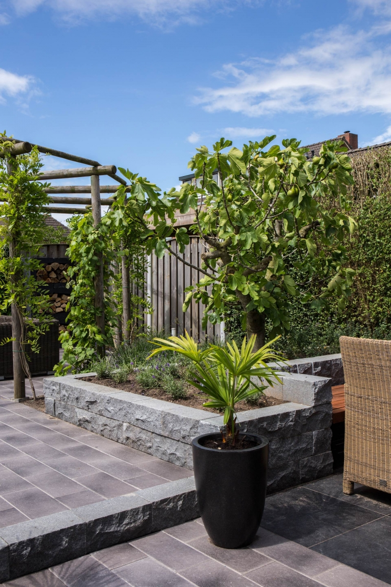 Hoveniersbedrijf Isidorus Hoeve Sfeervolle bourgondische tuin