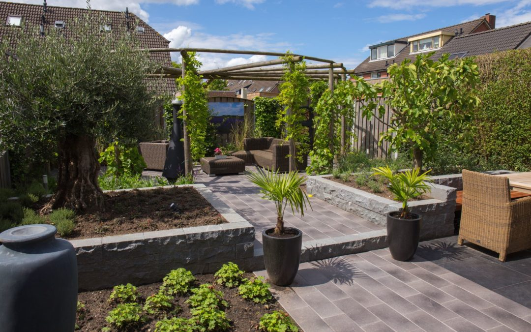Sfeervolle bourgondische tuin