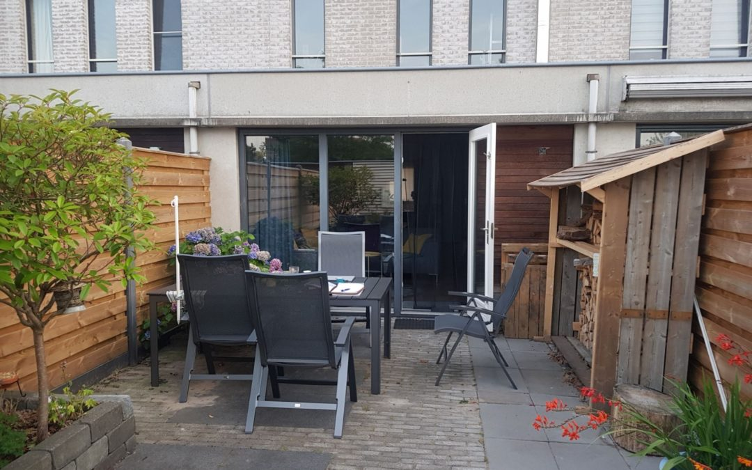 Kleine tuin modern vooraanleg